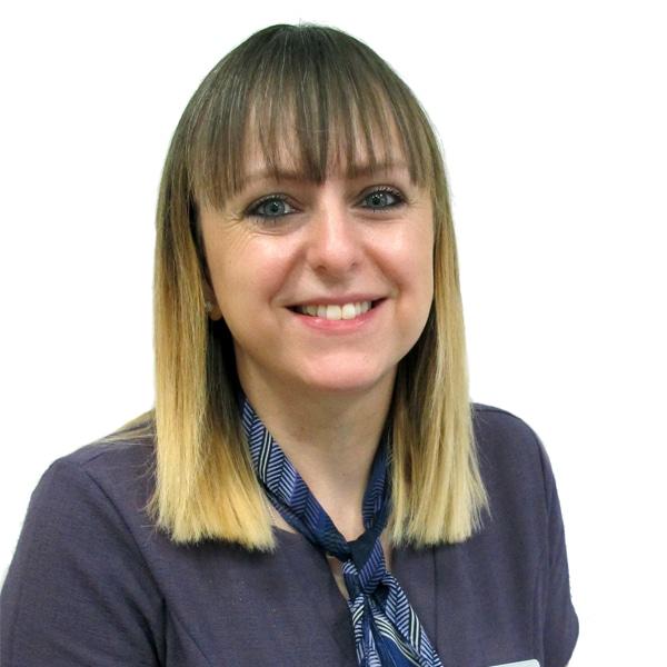 sarah smith receptionist thackeray dental
