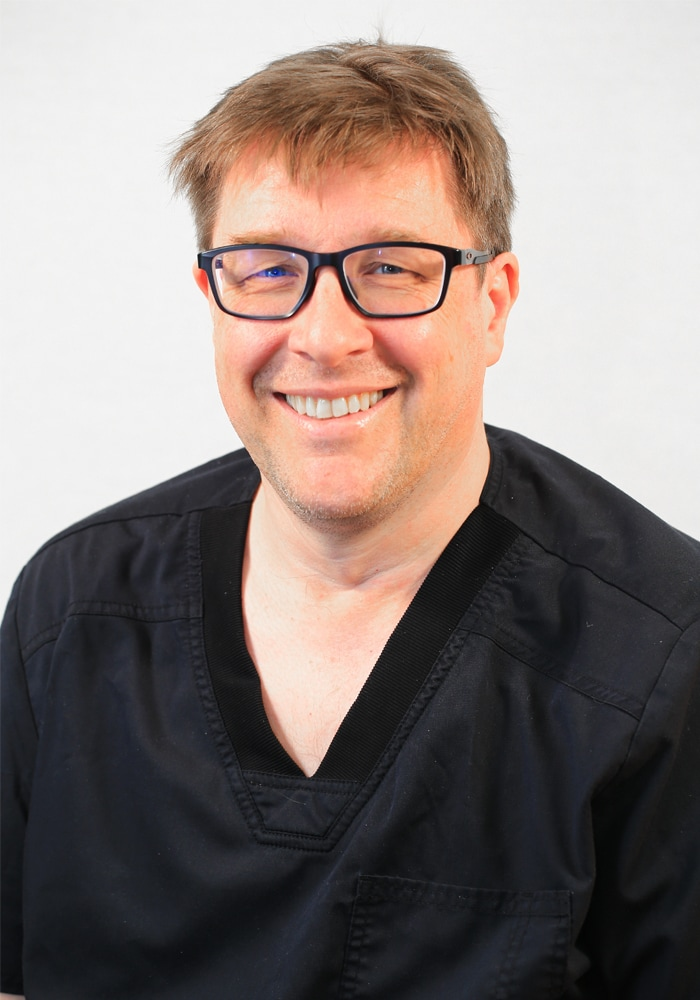 simon thackeray principal dentist mansfield